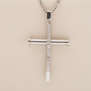 Collana con croce